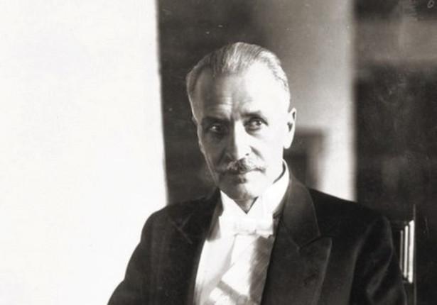 Punktem zwrotnym w życiu Mościckiego stał się 1 czerwca 1926 r., kiedy nieoczekiwanie został wybrany przez Zgromadzenie Narodowe na urząd prezydenta, zastępując na tym stanowisku Stanisława Wojciechowskiego, który w wyniku zamachu majowego podał się do dymisji.