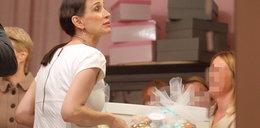 Kołakowska zbiera prezenty dla syna