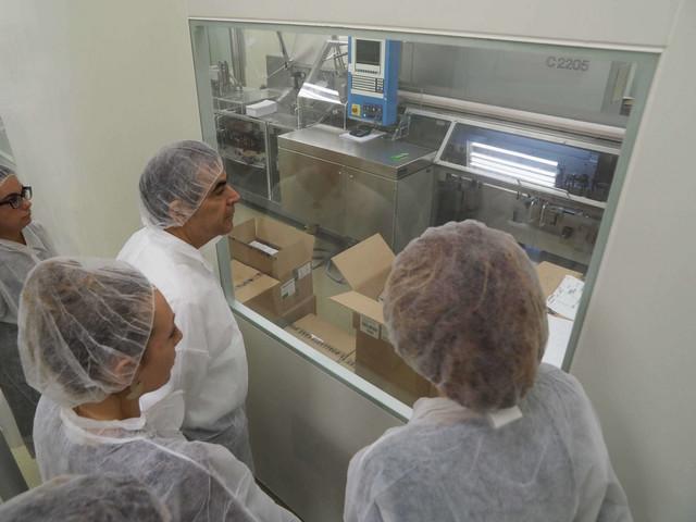Ambasador Brazila i menadžment Galenike u poseti fabrici