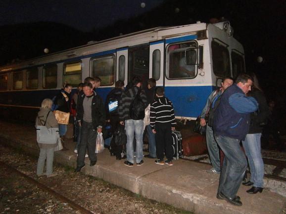 Zbog lošeg remonta ispaštaju građani: Železnička stanica u Zaječaru