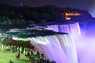 USA: W 40. rocznicę powstania 'Solidarności' Niagara będzie podświetlona na biało-czerwono