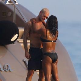 Christina Milian spotyka się ze znanym przystojniakiem. Na wakacjach nie szczędzą sobie czułości