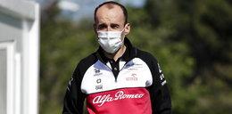 Mało kto wie, że Kubica nie był kiedyś leworęczny. Po wypadku ma nie w pełni sprawnąrękę