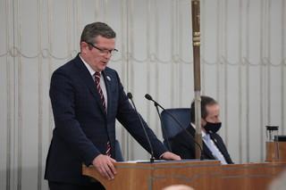 52 senatorów: Krytycznie oceniamy głosy o możliwym opuszczeniu przez Polskę UE