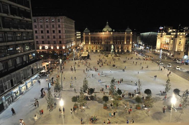 trg republike noćna