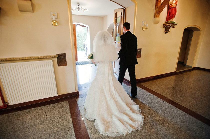 Na ślubach w diecezji włocławskiej nie wolno grać świeckich piosenek