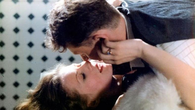 """Kolejne ważne role to występy Szapołowskiej w głośnym """"Magnacie"""", """"Kronikach domowych"""" (1997) i ekranizacji """"Pana Tadeusza"""" (1999)"""