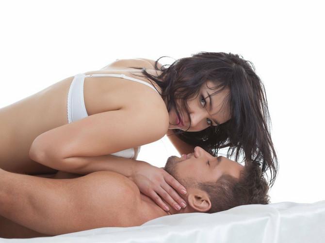 Ovo su tri idealne seks poze za mali penis