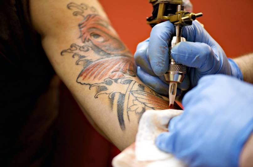 Miała Tatuaż Z Błędnym Imieniem Syna Więc Zmieniła Mu Imię