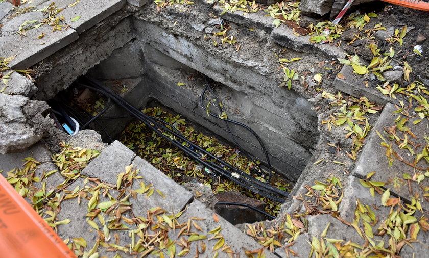 Niebezpieczny wykop na Rzgowskiej zagraża pieszym