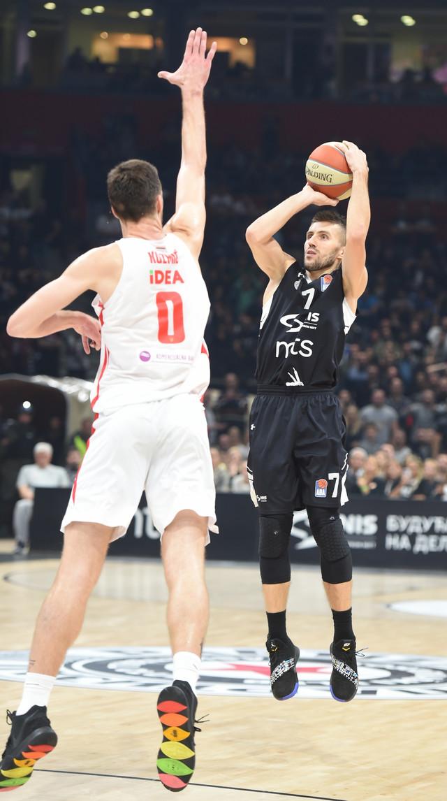 Detalj sa poslednjeg meča KK Partizan - KK Crvena zvezda