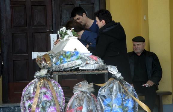 Otac Aleksandar i majka Vesna nad odrom sina Boška