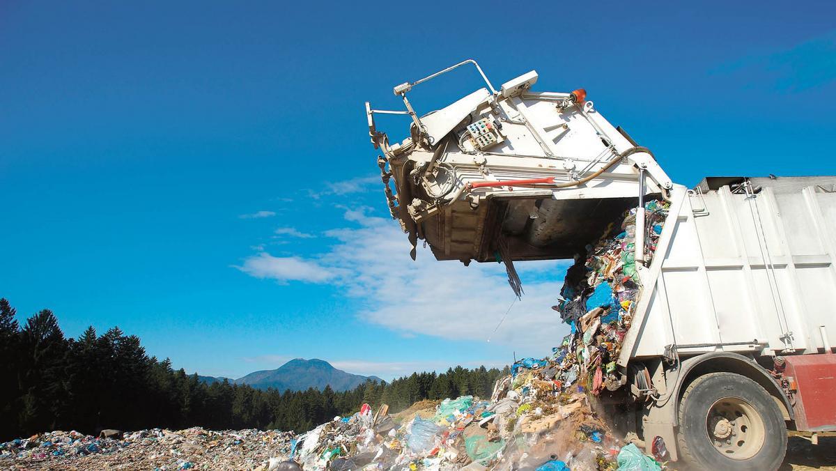 Jedź na prowincję, twoje śmieci już tam są. Turystyka śmieciowa jest u nas  niemal całkowicie legalna - Forsal.pl