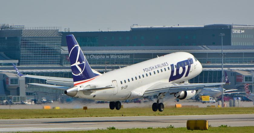 Lotnisko Chopina to największy port lotniczy w kraju. Jego przepustowość jednak wyczerpuje się