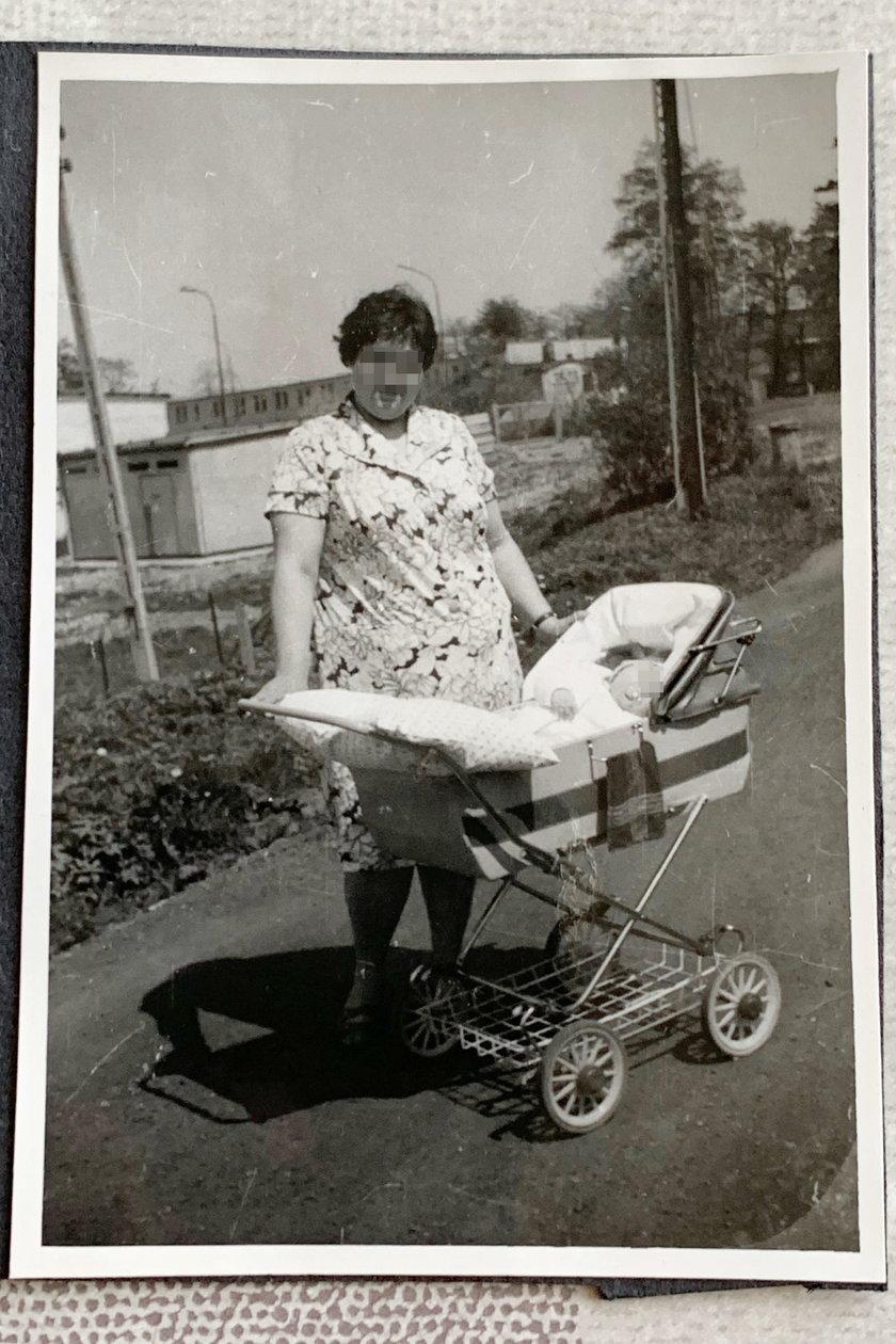 Na spacerze z mamą