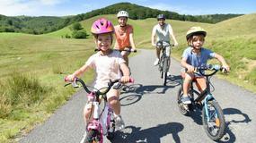 Planujesz rodzinne wakacje? Oto miejsca, do których dzieci zabierzecie gratis!