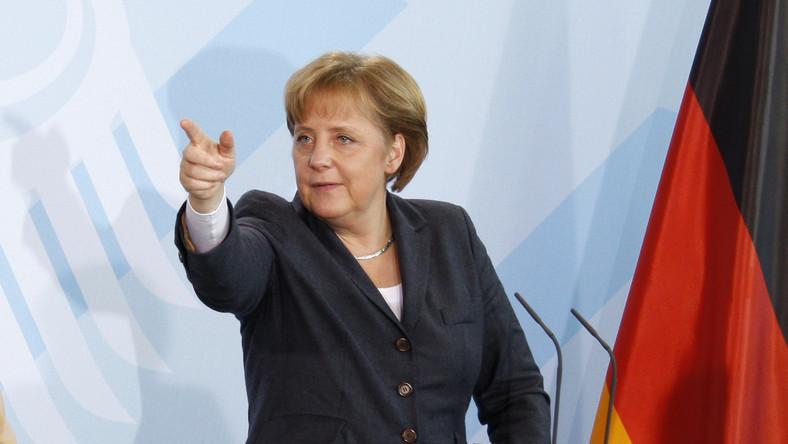 Merkel: Juncker pozostaje kandydatem na szefa Komisji Europejskiej