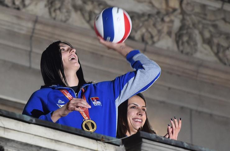 Ženska odbojkaška reprezentacija Srbije, Doček