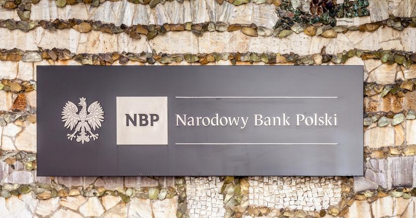 Banki nieznacznie zaostrzyły politykę przyznawania kredytów mieszkaniowych