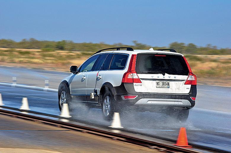 Test opon letnich 215/65 R 16: przejechać bezpiecznie przez lato