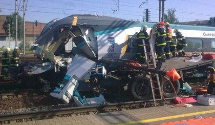 Dwie osoby nie żyją, maszynista stracił nogi. Pendolino uderzyło w polskiego tira!