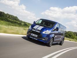 """Ford Tourneo Custom 2.0 TDCi Sport - ośmioosobowy """"sportowiec"""""""