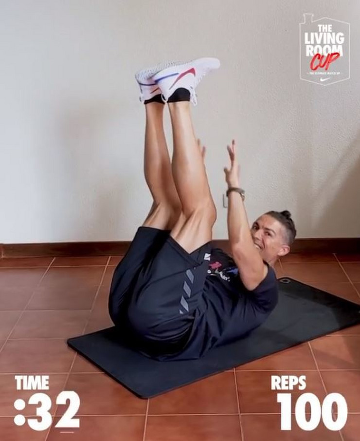 Ronaldo radi trbušnjake