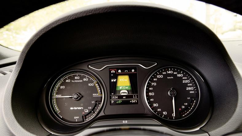 W Polsce ruszyła sprzedaż nowego audi A3 sportback e-tron. To pierwsze w niemieckim koncernie auto hybrydowe typu plug-in. Co prawda wcześniej Volkswagen pokazał jettę hybrid, ale w tym aucie nie było możliwości ładowania akumulatorów z gniazdka…