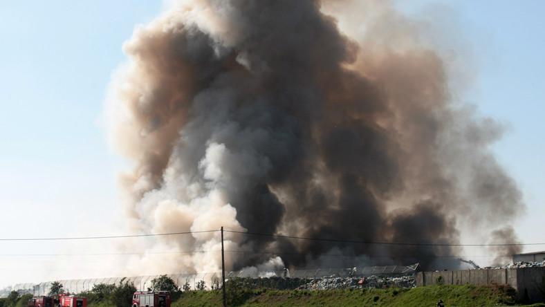 Ewakuację zarządził ze względów bezpieczeństwa burmistrz Zbąszynka - w rejonie pożaru pojawił się wysoki poziom zadymienia.