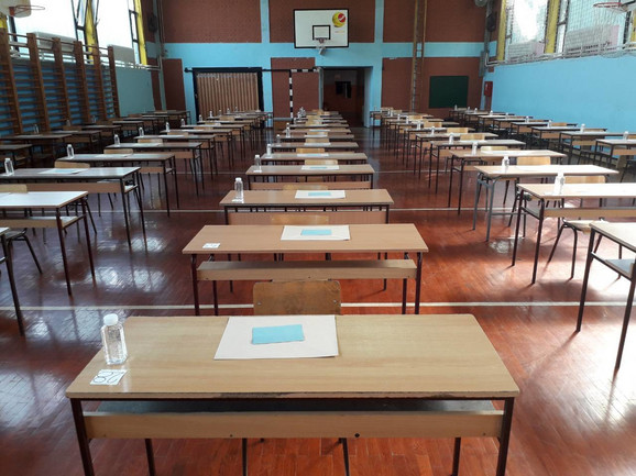 Test iz matematike odlože je zbog provaljenih testova
