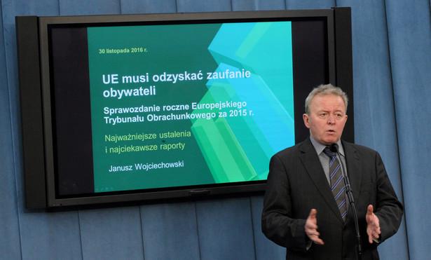 """""""Jestem po oficjalnym spotkaniu z panią przewodniczącą Ursulą von der Leyen. Jestem bardzo zadowolony z przebiegu tej rozmowy, była ona bardzo rzeczowa, konkretna"""" - powiedział dziennikarzom Wojciechowski."""