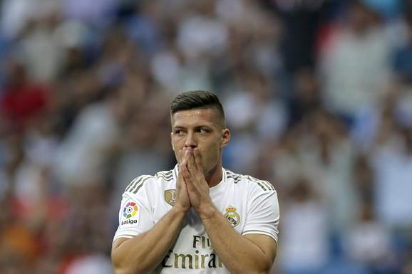 ŠOK TERAPIJA! Zinedin Zidan leti iz Real Madrida, a stiže takva zamena da će Luka Jović da ČUPA KOSU!