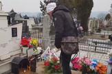 Miki Mećava na groblju