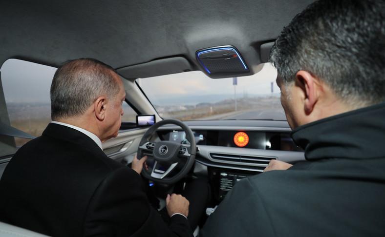 Erdogan za kierownicą tureckiego elektryka