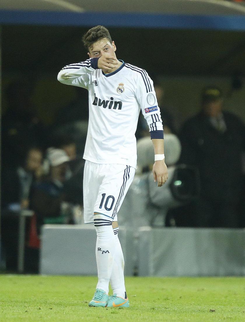 Piłkarz Arsenalu Londyn Mesut Oezil