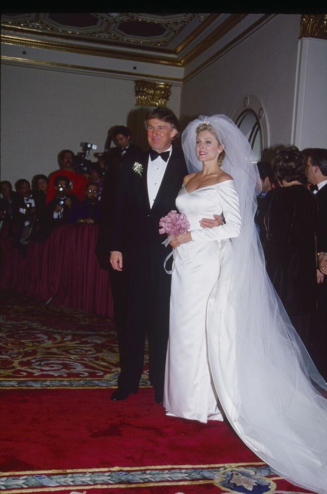Mladenci: Marla i Donald