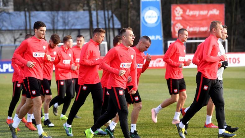 Piłkarze reprezentacji Polski podczas treningu kadry