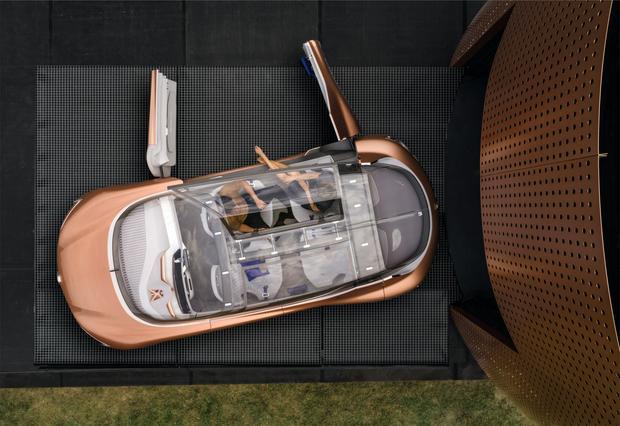 Renault Symbioz - do niego się wchodzi a nie wsiada