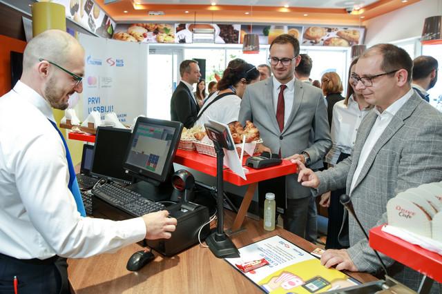 Prezentacija nove usluge podizanja gotovine uz kupovinu Mastercard karticom na NIS Petrol i GAZPROM benzinskim stanicama