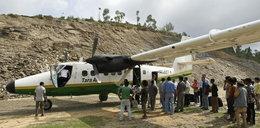 Samolot z 23 pasażerami rozbił się w górach