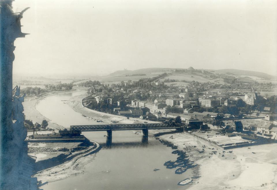 Most Dębnicki wybudowany jako most kolei obwodowej w latach 1886-1888