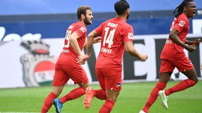 Hertha boost survival hopes with win at Schalke