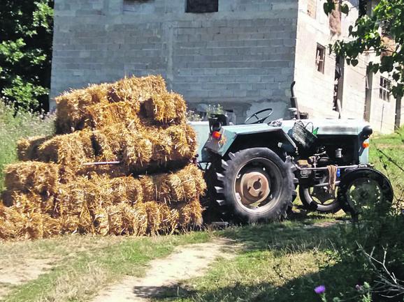 Traktor na kom je ubijen Raja foto RAS Srbija-1