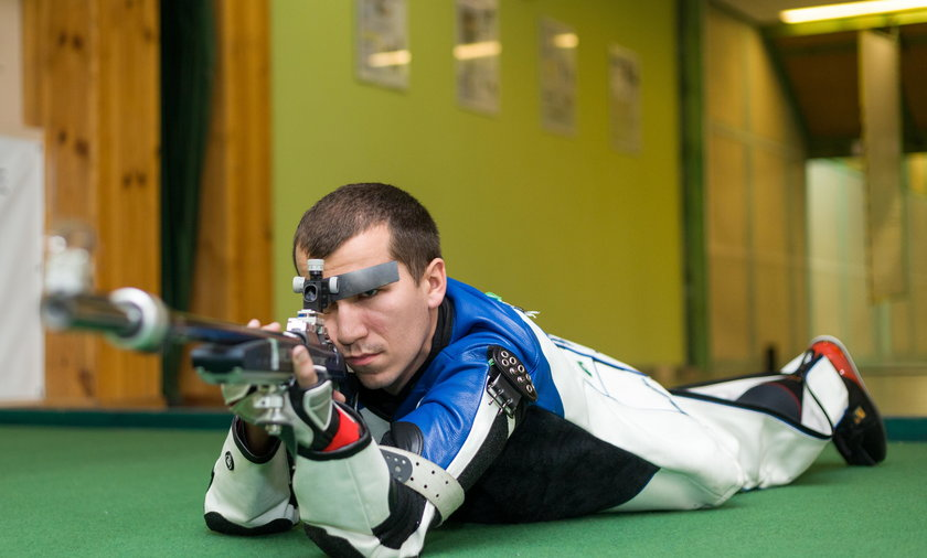 Tomasz Bartnik został pierwszym w historii polskim strzelcem, który jest mistrzem świata w konkurencji karabinu w trzech postawach