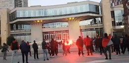 Zadyma przed meczem w Albanii! Polacy obrzuceni kuflami!