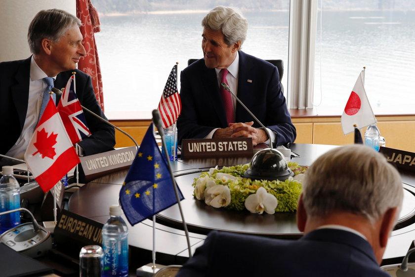 Pierwsza sesja G7. Na zdjęciu: John Kerry i Philip Hammond