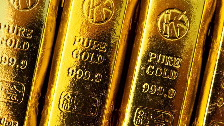 Rozbito grupę handlarzy złotem. Wyłudzili ponad 127 mln zł na podatku VAT