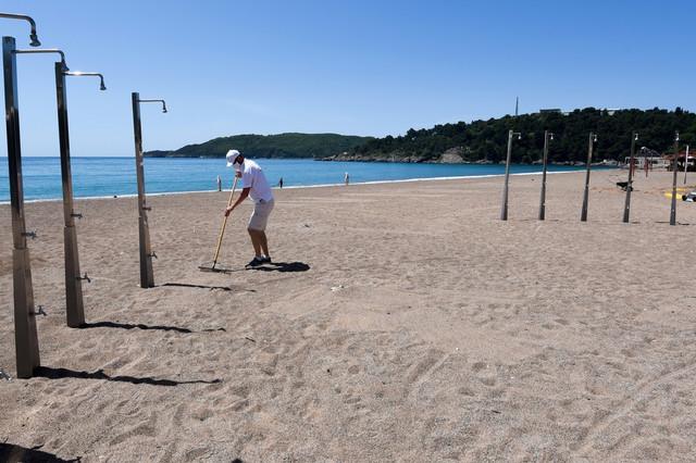 Puste plaže u Crnoj Gori