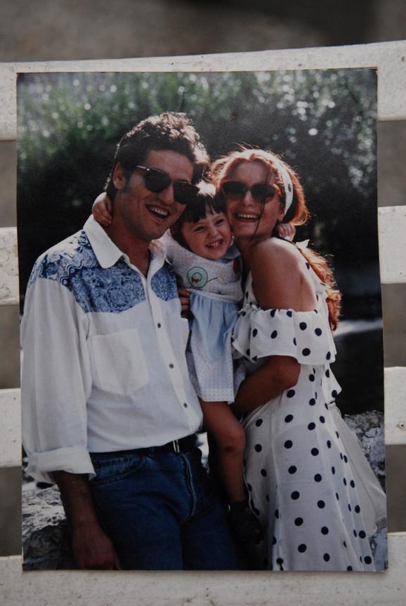 Leti vreme: Dragan, Branka i ćerka Anđela