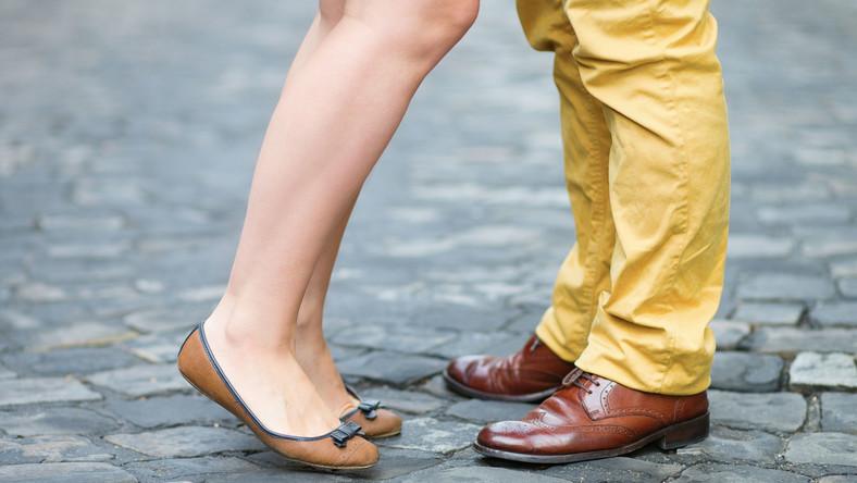 Buty kobiety i mężczyzny